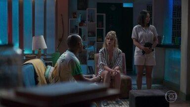 Leo tenta apaziguar a briga entre Toshi e Marie - As duas dizem que vão embora de casa