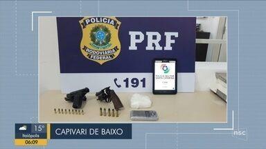 Giro de notícias: Duas pessoas são presas com cocaína e armas em Capivari de Baixo - Giro de notícias: Duas pessoas são presas com cocaína e armas em Capivari de Baixo