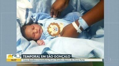 Bebê nasce no meio de engarrafamento, em São Gonçalo - Parto foi dentro do carro, com a ajuda de PMs.