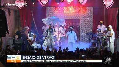 Baianos participam do ensaio do Cortejo Afro, no Pelourinho - Confira.