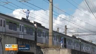 Linha Centro do Metrô fica sem funcionar e causa transtornos a passageiros - Rompimento de cabo causou paralisação total da linha, que atende 250 mil pessoas diariamente.