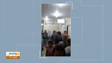 Pacientes denunciam demora no atendimento na Policlínica Cosme e Silva - A Secretária de saúde informou que o atendimento foi prejudicado devido a problemas nas impressoras que produzem os guias de entrada dos usuários