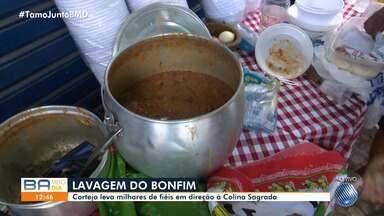 Lavagem do Bonfim: Feijão e 'espetinhos' reforçam baianos e turistas durante cortejo - Evento movimenta a região da Cidade Baixa desde as primeiras horas desta quinta-feira (16).