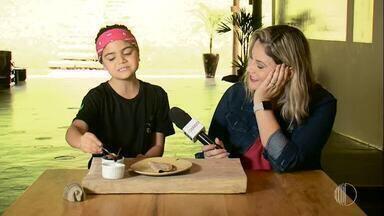 Receitas da mata: aprenda a fazer panqueca de cambuci com brigadeiro - Assista ao vídeo!