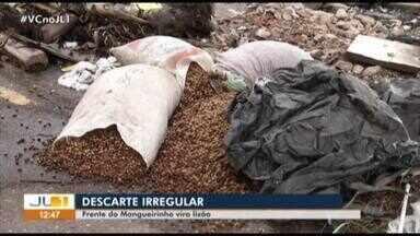 Equipe da TV Liberal flagra descarte irregular de lixo em frente ao Mangueirão - Equipe da TV Liberal flagra descarte irregular de lixo em frente ao Mangueirão