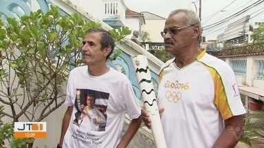 Condutores da tocha dos Jogos Olímpicos Rio 2016 se reúnem e fazem ação social - Ação Social aconteceu na sociedade São Vicente de Paulo, nesta sexta-feira (17).