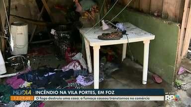 Incêndio destrói casa na Vila Portes, em Foz do Iguaçu - Moradores precisam de ajuda para reconstruir imóvel.
