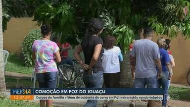 Corpos de vítimas de acidente em Palmeira são velados em Foz do Iguaçu - Tragédia causou comoção em toda a cidade.