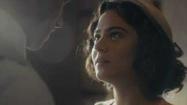 Isabel toma uma decisão e procura Felício - Ela diz que quer viver essa história, não importando o que terão que enfrentar