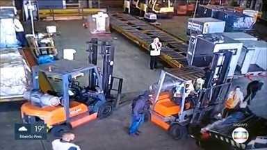 Suspeito de roubo ao Aeroporto de Guarulhos em 2019 é preso em Itanhaém - A polícia prendeu o homem após monitorá-lo por dias.