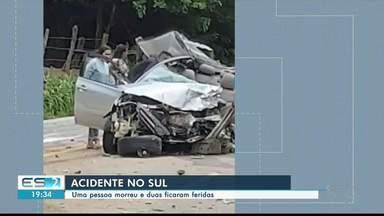 Uma pessoa morre e duas ficam feridas em acidente em Castelo, no Sul do ES - Os feridos foram levados para hospitais da região.
