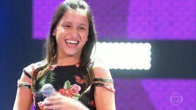 Conheça Ana Carolina Julio e veja a apresentação musical - Jovem de 13 anos veio de São Bernardo do Campo