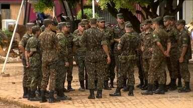 Militares do Exército chegam a Iconha (ES) para ajudar na recuperação de danos de temporal - Eles vão ajudar moradores atingidos pelo temporal da semana passada no sul do Espírito Santo.