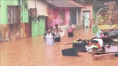 Chuva recorde na Grande Belo Horizonte deixa mortos e destruição - Belo Horizonte registrou, em 24 horas, o maior volume de chuva contínua em 110 anos, desde que a medição começou a ser feita, segundo o Inmet.