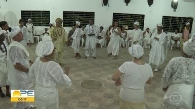 Em Paulista, celebração homenageia orixá Obatalá - Na mitologia Iorubá, Obatalá é o criador do mundo dos homens, dos animais e das plantas.
