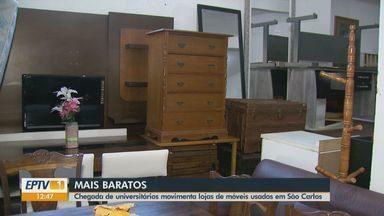 Estudantes movimentam comércio de móveis usados em São Carlos - Com a chegada dos calouros, o movimento aumenta 50%.