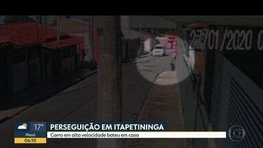 Motorista quase atropela pessoa durante perseguição em Itapetininga - Ele não respeitou uma ordem de parada e tentou fugir, mas bateu em um muro