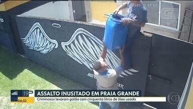 Ladrões roubam óleo em Praia Grande - Homens levaram 50 litros de óleo usado de uma hamburgeria.