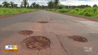 População reclama de buracos na MA-026 em Codó - Já até houve uma operação para tapar os buracos, mas a situação voltou a piorar.