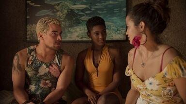 Érica diz a Ryan que Mel quer conhecê-lo - Marina se incomoda