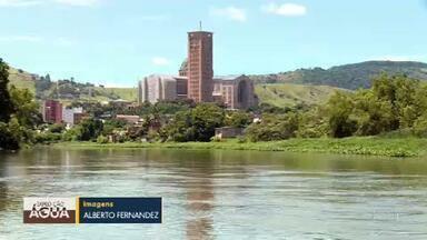 Expedição Água chega ao Rio de Janeiro - O Rio Paraíba do Sul sofre com despejo de esgoto em Itatiaia.