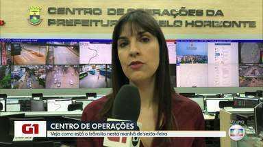 G1 no BDMG: Veja como estão as vias depois do temporal que atingiu BH - Parte de ponte caiu no bairro Estrela Dalva.