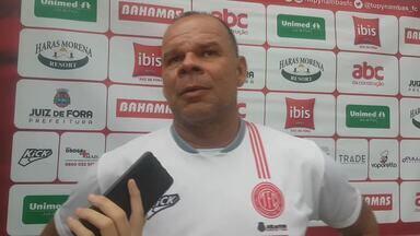 Zé Luís explica alterações no Tupynambás para enfrentar o Cruzeiro - Técnico interino tem problemas de lesão e mexeu na equipe também por opção técnica e tática.