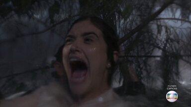 Téo consegue reanimar Luna - Luna se desespera ao acordar em meio ao furacão