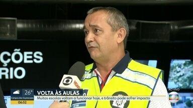 Aulas voltam hoje em várias escolas do Rio - Prefeitura montou esquema especial para dar mais fluidez ao trânsito