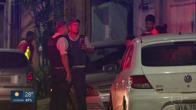 Homem agride irmã e esposa na Vila Planalto - O homem levou dois tiros depois de reagir a abordagem da polícia.