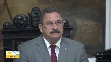 Novo presidente do TJPE toma posse - Desembargador Fernando Cerqueira assumiu para mandato de dois anos.