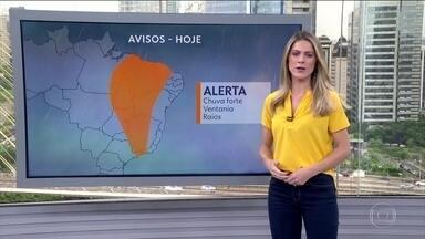Veja a previsão do tempo para esta quarta-feira (5) em todo o país - O risco de temporal é para uma parte do Norte, do Centro-Oeste, do Nordeste e do Sudeste. O tempo fica firme só no Rio Grande do Sul, em parte do Norte, do Amazonas até o Amapá. Mesma condição para o Sul da Bahia e norte do Espírito Santo.