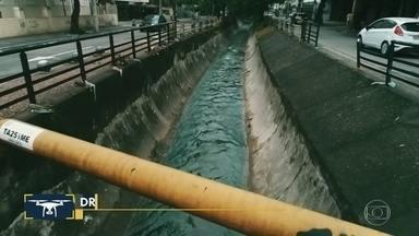 Drone do Bom Dia: chuva destrói parte da contenção do rio Maracanã - Com as fortes chuvas desta quarta-feira (5), parte da contenção do rio Maracanã cedeu.