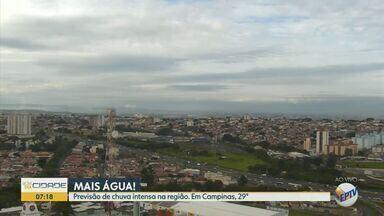 Chuva intensa é prevista para Campinas e região nesta quinta-feira (6) - Em Piracicaba (SP), 50 milímetros de chuva são esperados e temperatura máxima chega a 29º C. Veja condição do tempo em outras cidades.