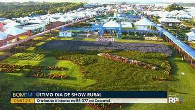 Movimento é intenso na BR-277 perto do Show Rural - A feira termina nesta sexta-feira (07).