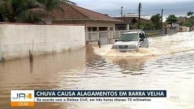 Chuva causa alagamentos em Barra Velha - Chuva causa alagamentos em Barra Velha