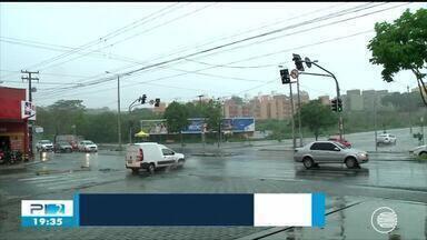 Prefeitura instala novos radares e motoristas reclamam - Prefeitura instala novos radares e motoristas reclamam