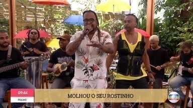 Tchakabum canta 'Onda, Onda' - Grupo anima os convidados com hit de sucesso