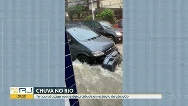 Chuva alaga vários bairros da Região Metropolitana - Cidade do Rio ficou em estágio de atenção