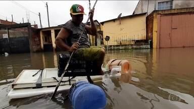 Após chuva recorde, São Paulo tenta se recuperar dos estragos - Na Ceagesp, maior entreposto de alimentos da América Latina, que ficou debaixo d'água, o cálculo é de R$ 20 milhões de perdas.