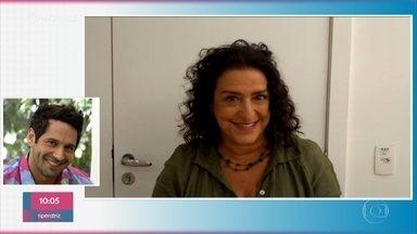 Grace Gianoukas manda recado para João Baldasserini - Os atores vivem mãe e filho na novela 'Salve-se Quem Puder'