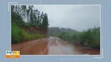 Quase um quarto dos municípios mineiros estão em estado de emergência por causa das chuvas - Segundo a defesa civil, já são 211 cidades que divulgaram o decreto. E os temporais têm provocado estragos em vários municípios da Zona da Mata.