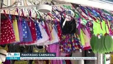 Procura de fantasias de Carnaval cresce no Sul do Rio - Lojas de fantasias e de tecidos oferecem novidade e variedade para os consumidores.