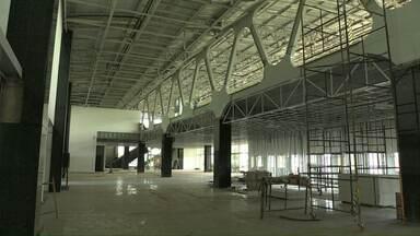 Obra do novo terminal de passageiros do aeroporto de Cascavel vai atrasar - A empresa responsável pela obra pediu mais 90 dias para entregar a obra, após mudanças no projeto.