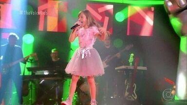 Alice Araújo canta 'Erva Venenosa (Poison Ivy)' - Confira a apresentação