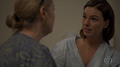 Nicete revela a Betina que ela é irmã de Álvaro - A enfermeira fica em choque com revelação