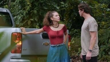 Rita não se intimida com as ameaças de Rui - Ela diz que vai chamar a polícia se Rui seguir com atitudes ameaçadoras