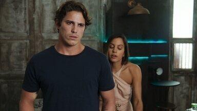Leila pergunta quais são os planos de Rui para Rita - O pai biológico de Nina afirma que Rita conhecerá um novo Rui