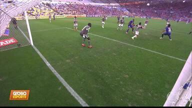 Perto de reestreia com a camisa do Cruzeiro, Marcelo Moreno deixa sua marca em treinamento - Perto de reestreia com a camisa do Cruzeiro, Marcelo Moreno deixa sua marca em treinamento