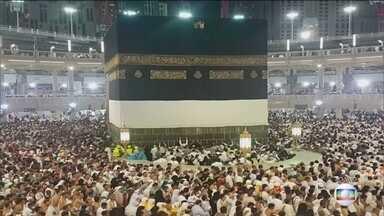 Covid-19: Arábia Saudita proíbe entrada de estrangeiros a Meca - Governo saudita proíbe peregrinação de estrangeiros a local sagrado do Islã para evitar que novo coronavírus chegue ao país.